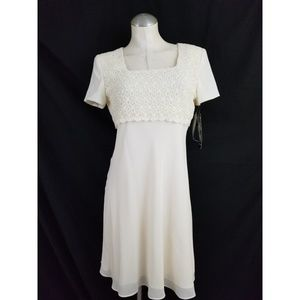Donna Ricco Size 8P Ivory Off White Dress